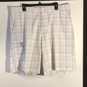 Greg Norman men's size 38 shorts gently used